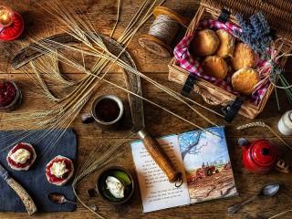 Собирать пазл Серп и хлебные колоски онлайн