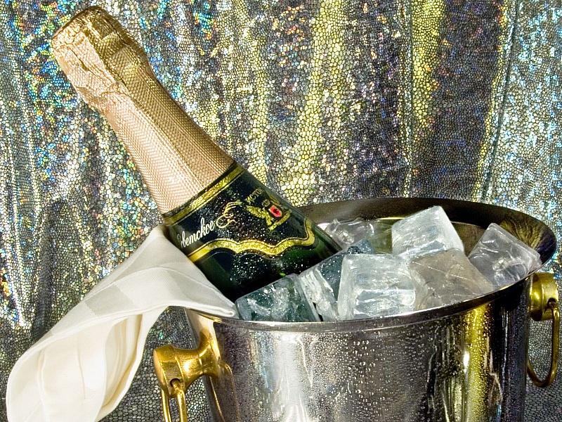 Пазл Собирать пазлы онлайн - Шампанское