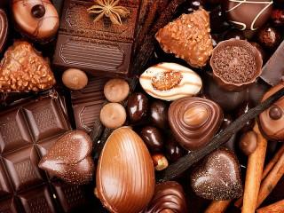 Собирать пазл Шоколад ассорти онлайн