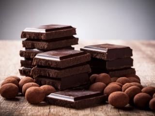 Собирать пазл Шоколад кусочками онлайн