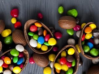 Собирать пазл Шоколад с сюрпризом онлайн