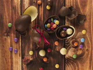 Собирать пазл Шоколадные яйца онлайн