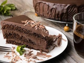 Собирать пазл Шоколадный торт онлайн