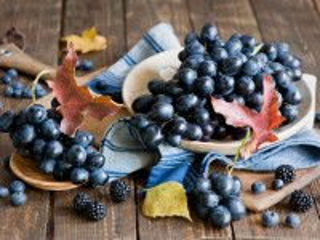 Собирать пазл Синие ягоды онлайн