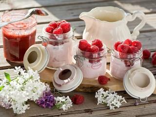 Собирать пазл Сирень и малина онлайн