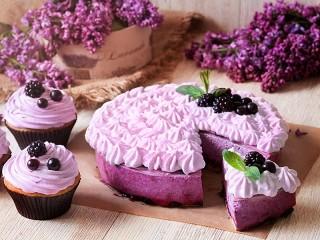 Собирать пазл Сиреневый десерт онлайн