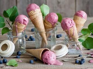 Собирать пазл Сиреневое мороженое онлайн