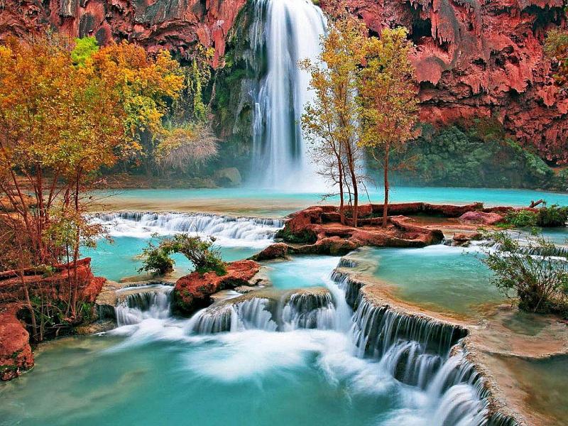 Пазл Собирать пазлы онлайн - Скалистый водопад