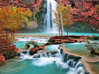 Собирать пазл Скалистый водопад онлайн