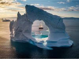 Собирать пазл Сквозь айсберг онлайн