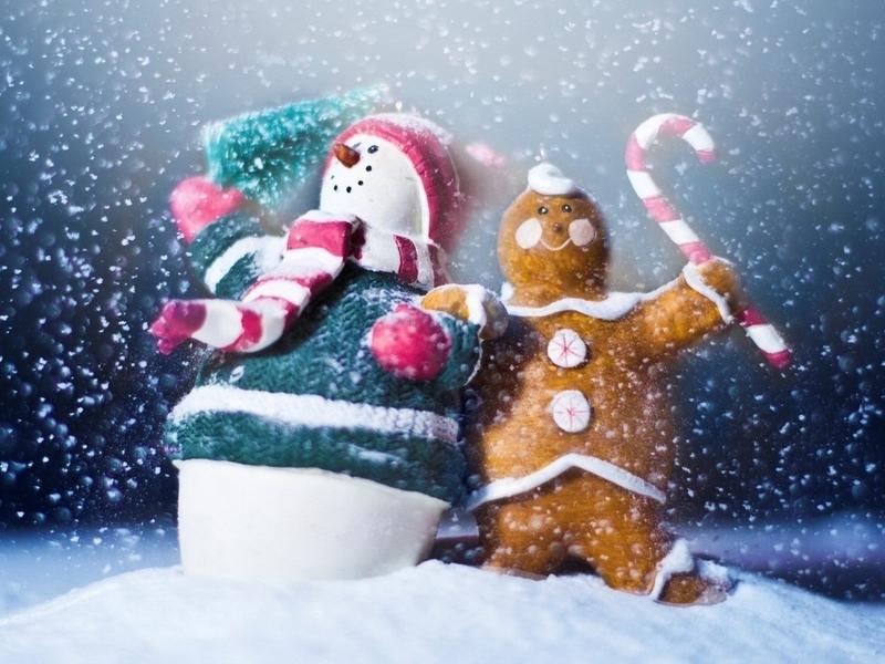 Пазл Собирать пазлы онлайн - Снеговик и пончик