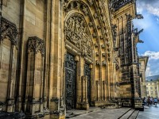 Собирать пазл Собор в Праге онлайн