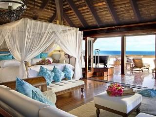 Собирать пазл Спальня с видом на море онлайн