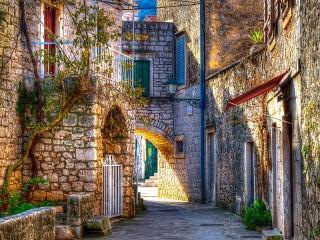Собирать пазл Стари Град  Хорватия онлайн