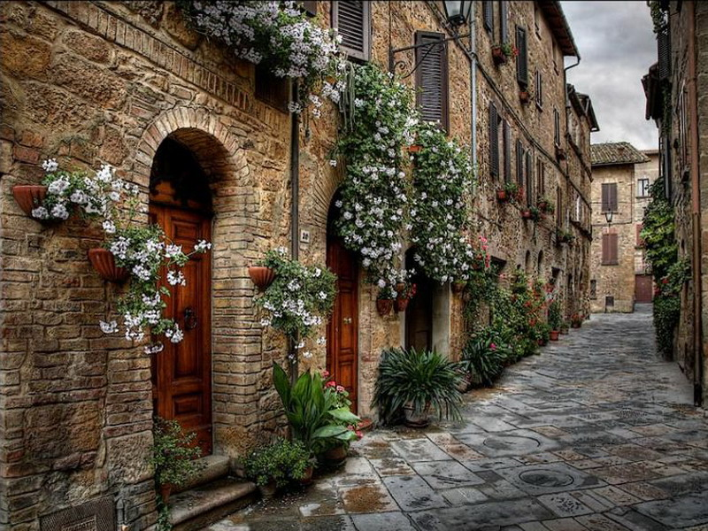 Пазл Собирать пазлы онлайн - Старинная улица