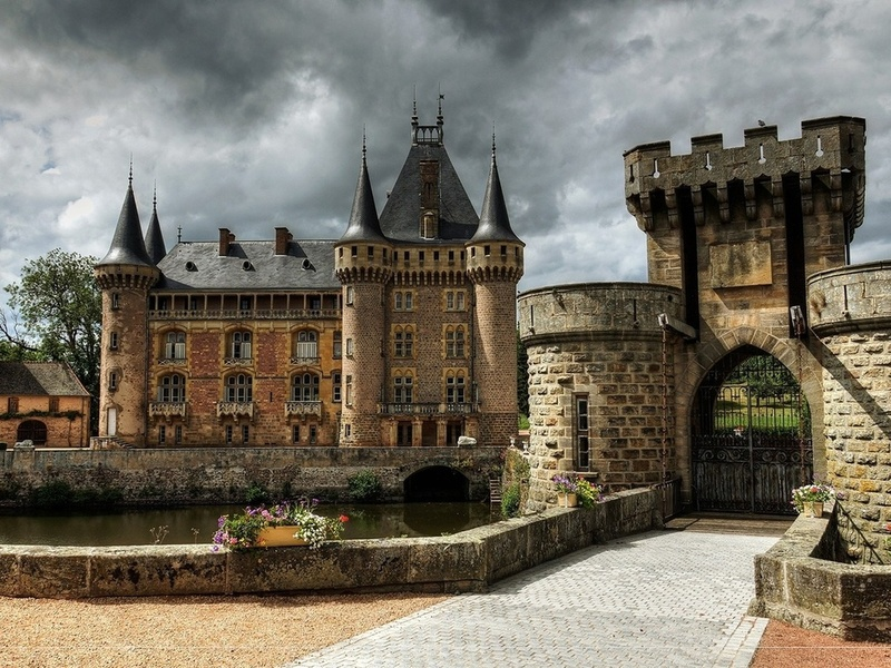 Пазл Собирать пазлы онлайн - Старинный замок