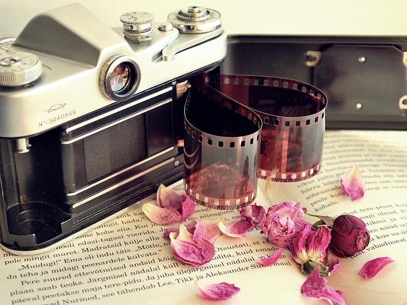 Пазл Собирать пазлы онлайн - Старый фотоаппарат
