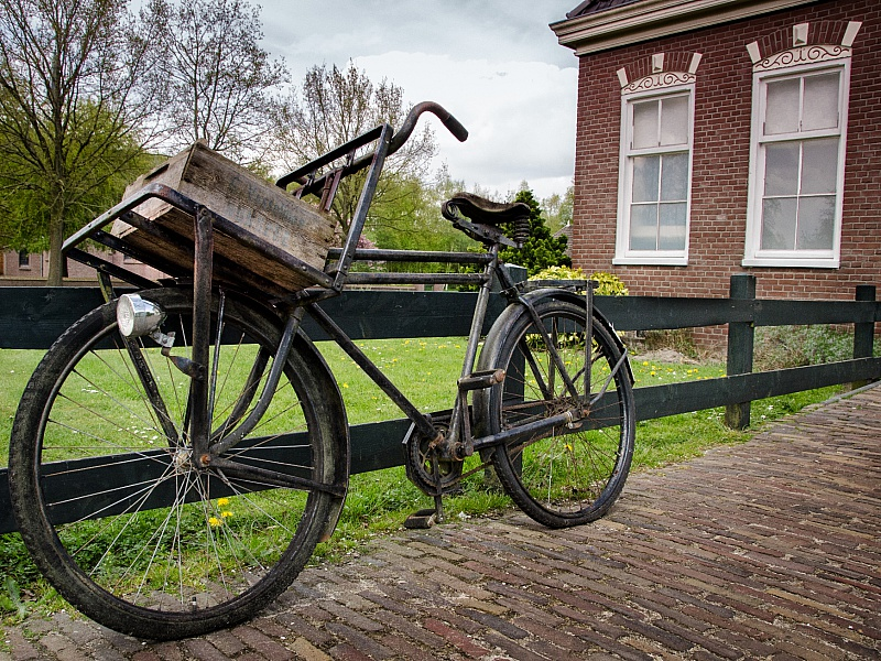 Пазл Собирать пазлы онлайн - Старый велосипед