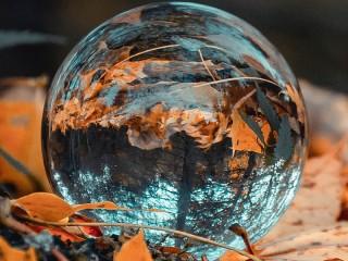 Собирать пазл Стеклянный шар онлайн