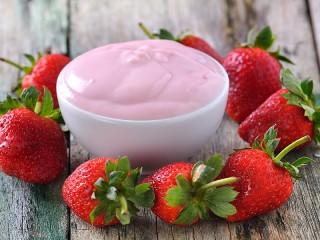 Собирать пазл Клубничный йогурт онлайн