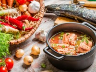 Собирать пазл Суп из рыбы онлайн