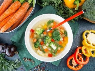 Собирать пазл Суп овощной онлайн