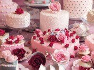 Собирать пазл Свадебные торты онлайн