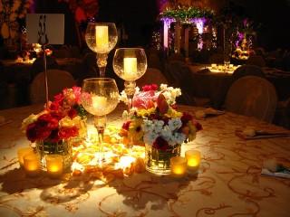 Собирать пазл Свечи и цветы онлайн