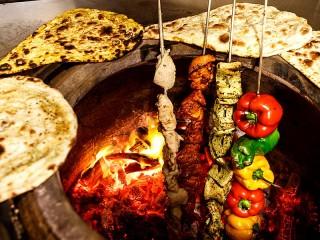 Собирать пазл Тандыр и еда онлайн