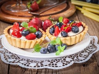 Собирать пазл Тарталетки с ягодами онлайн
