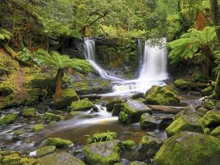 Собирать пазл Тасманийский водопад онлайн