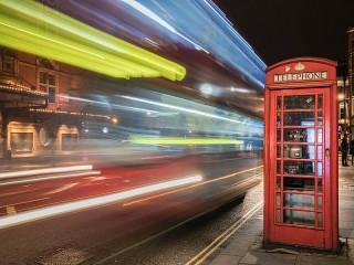 Собирать пазл Телефонная будка онлайн