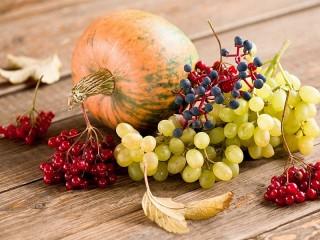 Собирать пазл Тыква и ягоды онлайн