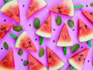 Собирать пазл Треугольники арбуза онлайн