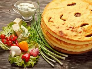 Собирать пазл Три пирога онлайн
