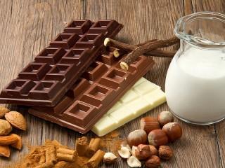 Собирать пазл Три шоколада онлайн