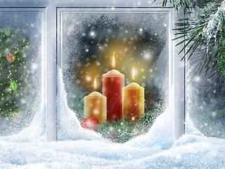Собирать пазл Три свечи онлайн