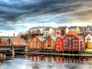 Собирать пазл Тронхейм Норвегия онлайн