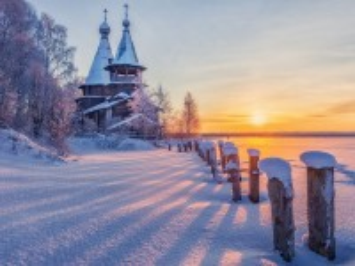 Собирать пазл Церковь зимой онлайн