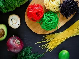 Собирать пазл Цвета спагетти онлайн