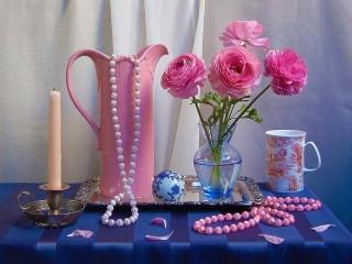 Собирать пазл Цветы и бусы онлайн