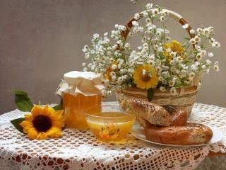 Собирать пазл Цветы и мед онлайн