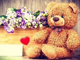 Собирать пазл Цветы и мишка онлайн