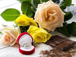 Собирать пазл Цветы и шоколад онлайн