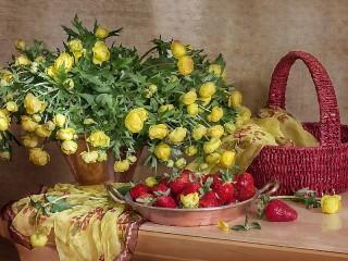Собирать пазл Цветы и ягоды онлайн