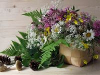 Собирать пазл Цветы в лукошке онлайн