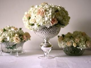 Собирать пазл Три букета из роз онлайн
