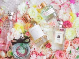 Собирать пазл Цветочный парфюм онлайн