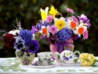 Собирать пазл Цветочный натюрморт онлайн