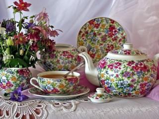 Собирать пазл Цветочный сервиз онлайн